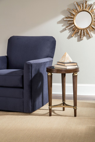 Broyhill Furniture - Kirsten Chairside Chest - 3181-004