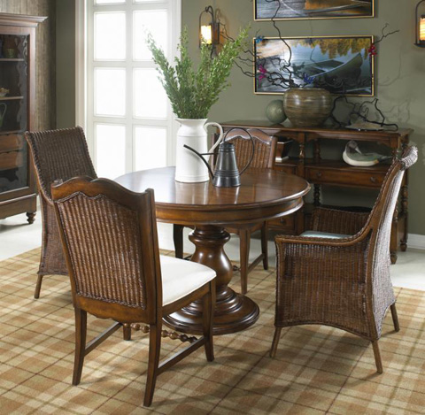 Fine Furniture Design - Round Dining Table - 1050-810/811