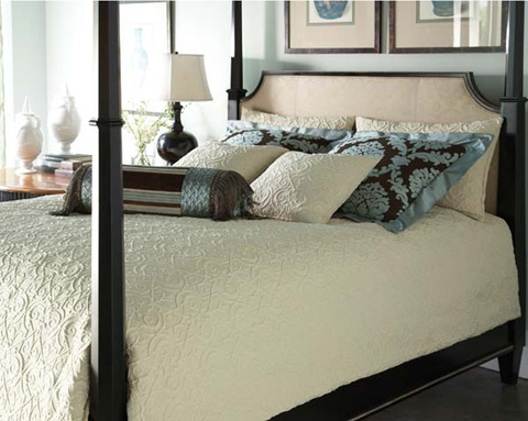 Hickory White - Queen Upholstered Poster Bed - 795-16