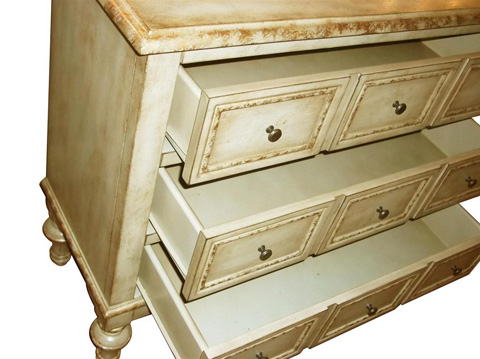 Pulaski - Apothecary Style Accent Chest - DS-730008
