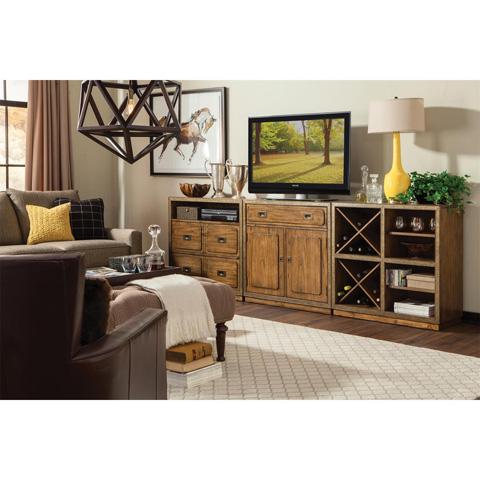 Riverside Furniture - Media Console - 16147