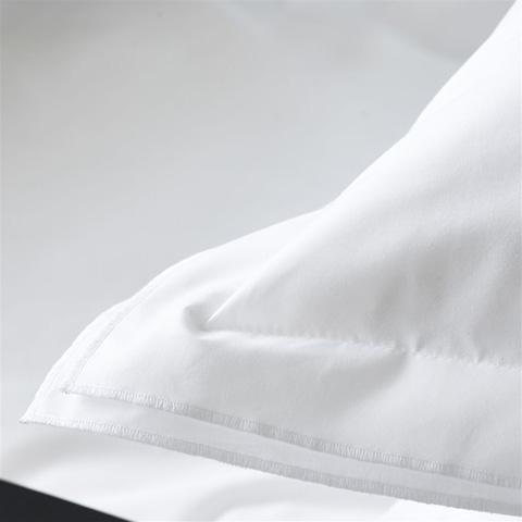 Designers Guild - Astor Bianco Alabaster Standard Pillowcase - BEDDG0870