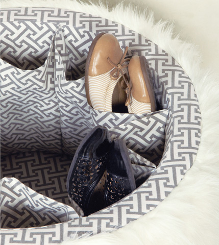 Eastern Accents - Yolo Ivory Shoe Storage Ottoman - OTD-372