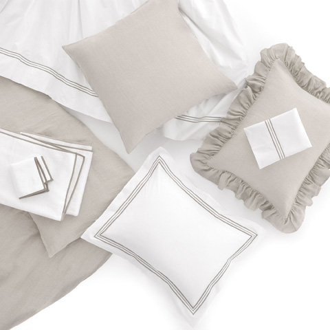 Pine Cone Hill, Inc. - Stone Washed Linen Pearl Grey Duvet Cover in King - SWLPDCK