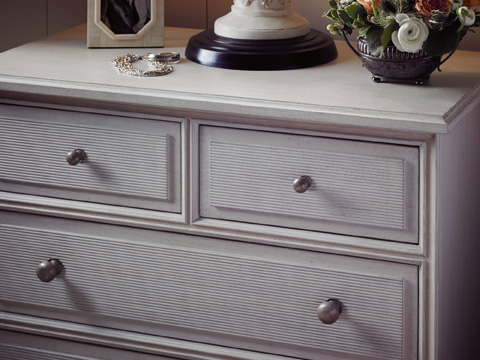 Stanley Furniture - Beaufort Bachelor Chest - Lamb's Ear - 340-53-16