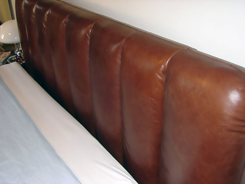 Stone International - Leather Bed - 0524