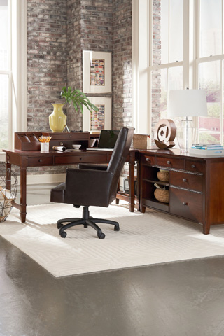Thomasville Furniture - Corner Table with Shelf - 51141-605