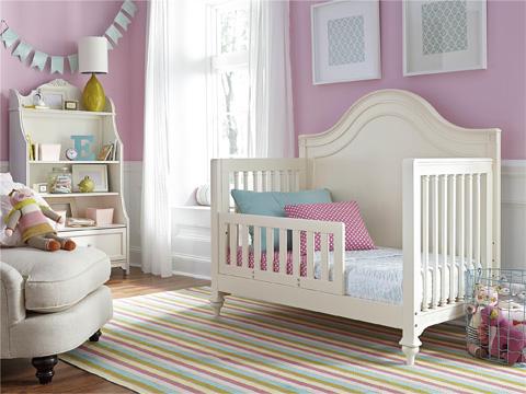 Universal - Smart Stuff - Gabriella Convertible Crib - 136A310