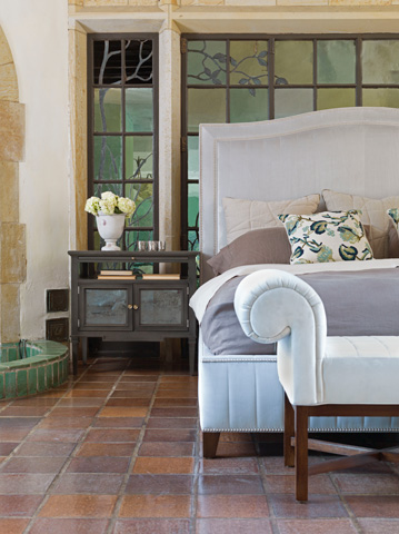 Vanguard Furniture - Louis Side Table - P550L
