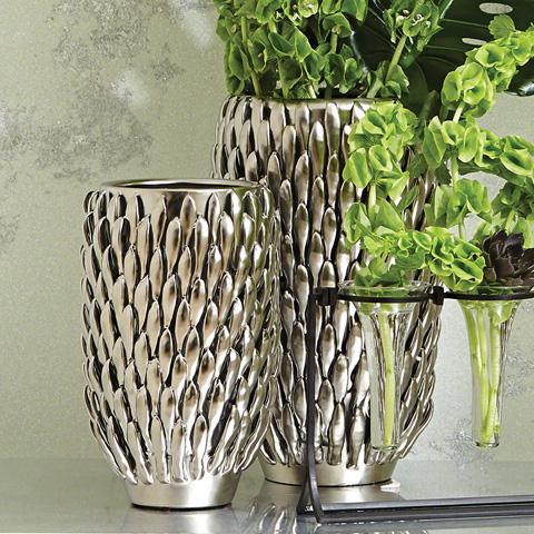 Global Views - Chrysanthemum Vase - 8.82109