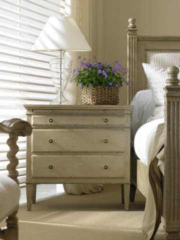 Hickory White - Bedside Chest - 865-71