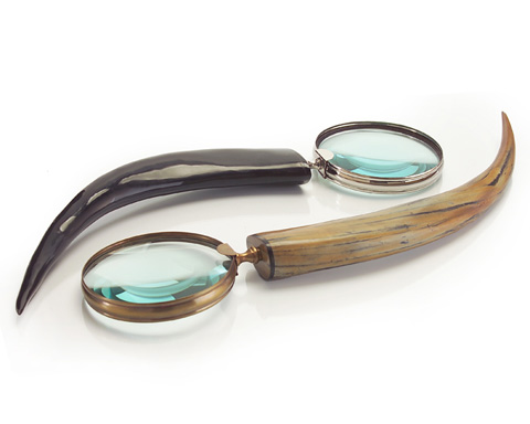 John Richard Collection - Cream and Black Horn Magnifying Glass - JRA-9131S2
