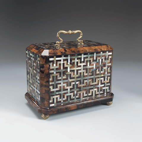 Maitland-Smith - Penshell and Mother of Pearl Box - 1100-133