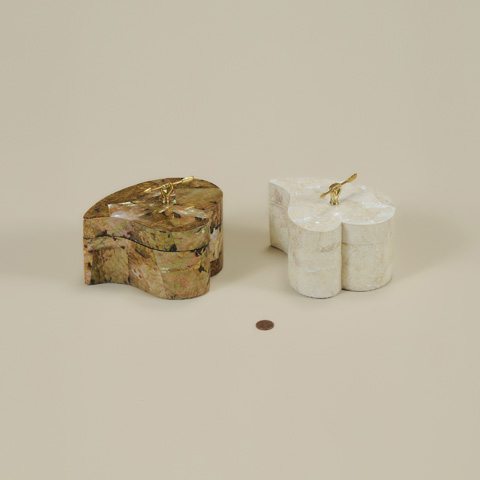 Maitland-Smith - Set of Two White Hammer Shell Boxes - 1100-571