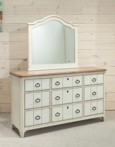 Palmetto Home - Nine Drawer Dresser - 112-140