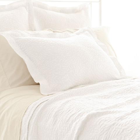 Pine Cone Hill, Inc. - Scramble White Matelassé Coverlet in Queen - M9WQ