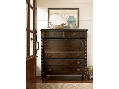 Universal Furniture - River House Corrie's Dressing Chest - 393175